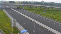 Xe container chạy lùi cả km trên đường cao tốc cực kỳ nguy hiểm