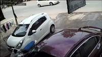 Cô gái bị kéo lê trên đường vì bị cướp giật túi xách đang đeo trên người tại Đồng Nai