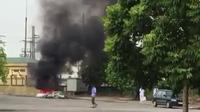 """Clip người dân cung cấp ghi lại cảnh BVĐK Ninh Bình đốt rác thải ngoài lò đốt, xả khói bụi """"hủy hoại môi trường"""""""