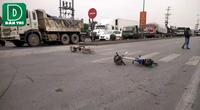 """Hàng trăm người dân kéo ra đường chặn xe phản đối chính quyền """"bán"""" đường dân sinh"""