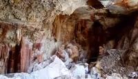 Hang động thạch nhũ đẹp lung linh bị phá tan hoang