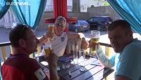 Dù thiếu bia hay chất lượng bia không được như ý nhưng người hâm mộ World Cup tại Nga vẫn rất hài lòng. (Nguồn: Euro News)