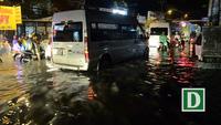 Bão chưa vào, Sài Gòn đã mưa ngập diện rộng