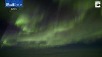 Ngắm vẻ huyền diệu của ánh sáng Bắc Cực quang từ buồng lái phi công