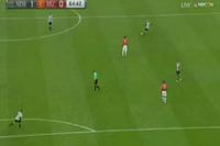 Newcastle 1-0 MU: Ritchie mở tỉ số