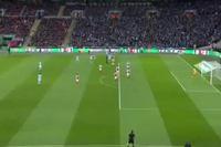 Arsenal 0-3 Man City: Phút 65, Silva gia tăng tỉ số