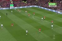 MU 2-1 Liverpool: Phút 68, pha đốt đền của Bailly
