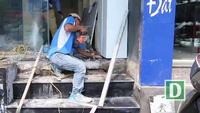 Thợ hồ kiếm tiền triệu/ngày nhờ sửa bậc tam cấp