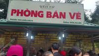 Du khách ngỡ ngàng vì phải mua vé lên đỉnh Yên Tử