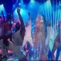Cher bốc lửa trên sân khấu