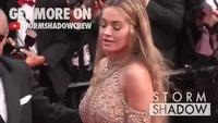 Rita Ora sexy trên thảm đỏ