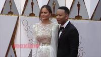 Chrissy Teigen và John Legend dự lễ trao giải Oscar 2017