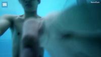 Chàng trai giải rubik 12 mặt dưới nước trong chỉ 1 phút 29 giây
