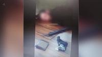 Người đàn ông bị bố mẹ cô bé 13 tuổi trói trong nhà