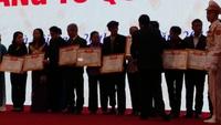 Lễ trao bằng Tổ quốc ghi công tới đại diện 672 gia đình thân nhân liệt sĩ