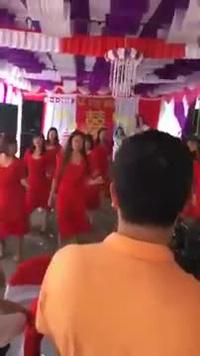Màn nhảy Lambada của cô dâu Hải Dương