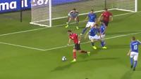 Italia đánh bại Albania 2-0 trong trận đấu thứ 1000 của Buffon .