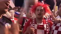 Cổ động viên Croatia hưng phấn sau chiến thắng trước Argentina