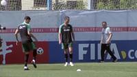 C.Ronaldo thể hiện kỹ năng hoàn hảo trên sân tập