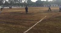 Olympic Việt Nam tập trên mặt sân như ruộng cày