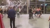 Hàng nghìn người hoảng loạn bỏ chạy sau vụ nổ ở nhà thi đấu Manchester