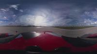 Mãn nhãn màn so găng tốc độ giữa xe đua và máy bay chiến đấu