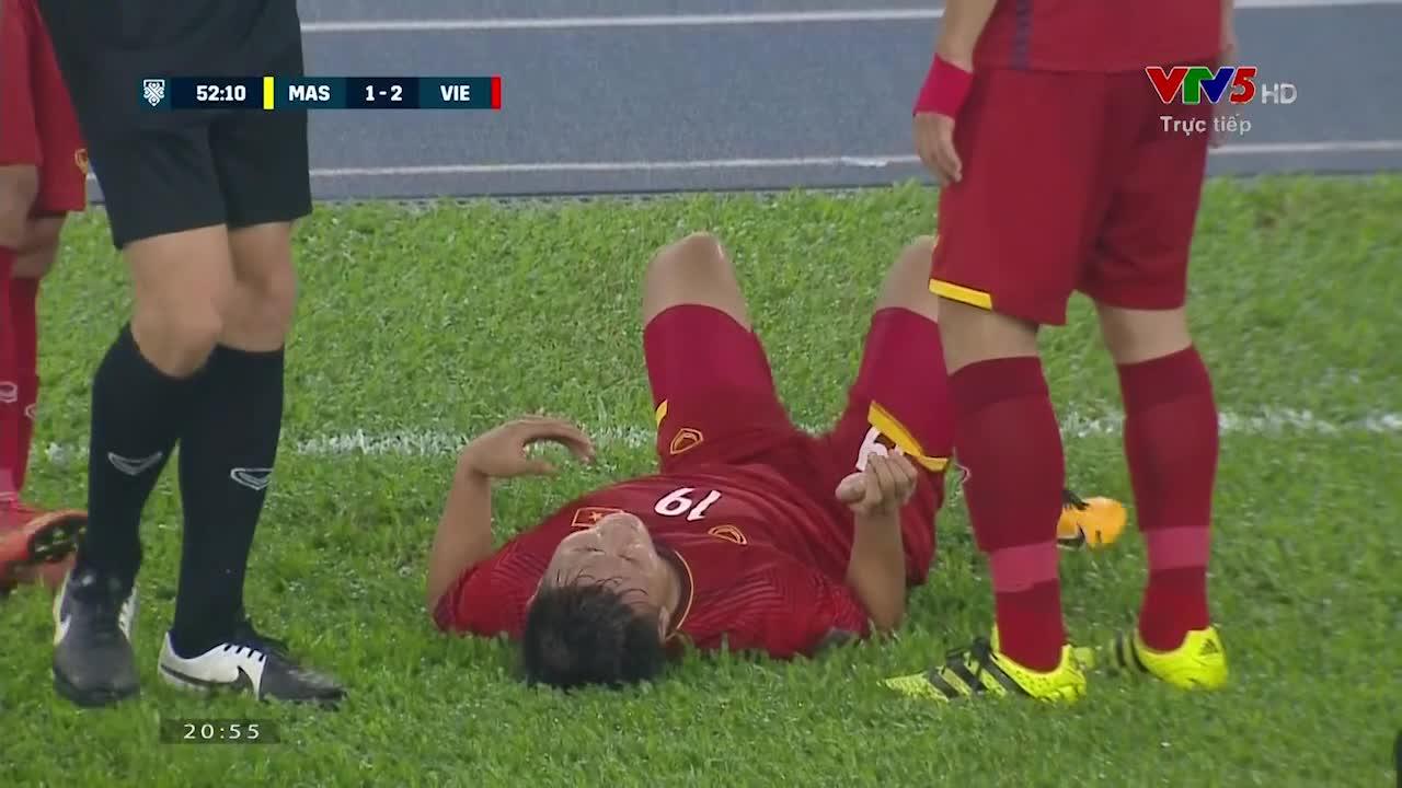 Chung kết AFF Cup 2018: Pha vào bóng triệt hạ Quang Hải của cầu thủ ĐT Malaysia