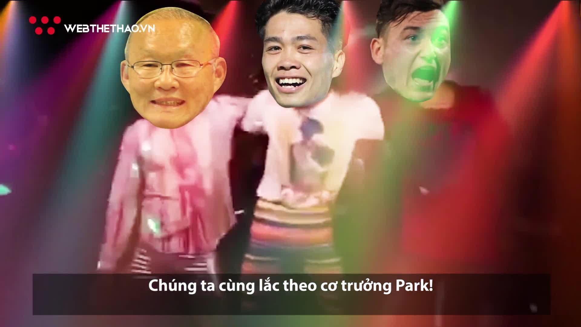 Video siêu hài: Thầy trò ông Park quẩy tưng bừng mừng vé chung kết AFF Cup 2018