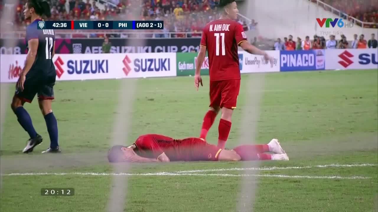 AFF Cup 2018: Cận cảnh pha đánh nguội của cầu thủ ĐT Philippines với Đoàn Văn Hậu