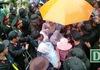 Hàng vạn người đội mưa về Đền Hùng dâng hương tưởng nhớ Vua Hùng