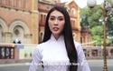 Tường Linh tự tin giới thiệu bằng tiếng Anh với bạn bè quốc tế về quê hương Việt Nam