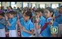 Học sinh khiếm thính hát Quốc ca bằng cử chỉ trong lễ khai giảng