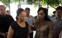 Bộ trưởng Y tế thắp hương, nói lời xin lỗi nạn nhân vụ sốc chạy thận