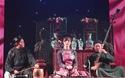 """Tiết mục hát ca trù """"Hồng hồng tuyết tuyết"""" của thí sinh Hoàng Lê Mỹ Uyên"""