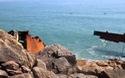 """Bình Định: Đang """"xẻ thịt"""" tàu Mông Cổ hơn 4.000 tấn bán phế liệu"""