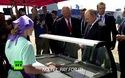 Tổng thống Putin vui vẻ ăn kem cùng cấp dưới