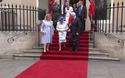 Toàn quyền Canada bị chỉ trích vì chạm vào Nữ hoàng Anh