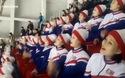 """Đội cổ vũ Triều Tiên """"hâm nóng"""" nhà thi đấu Hàn Quốc"""