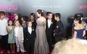 Angelina Jolie khoe hình xăm tại lễ công chiếu phim ở New York