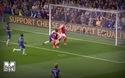 Alexis Sanchez cười nghiêng ngả khi Arsenal bỏ lỡ cơ hội