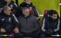 Mourinho há hốc miệng khi chứng kiến Young đá phạt thành bàn