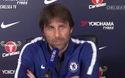 HLV Conte xấu hổ vì vợ cắt ngang buổi họp báo