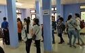 Thí sinh trúng tuyển đợt 1 vào ĐH Huế xếp hàng nộp hồ sơ xác nhận nhập học