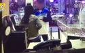 Con trai đánh mẹ tàn nhẫn vì làm gián đoạn khi chơi smartphone gây phẫn nộ