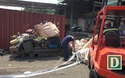 Khám xét container hàng cấm nhập khẩu tại cảng Cát Lái