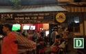 Bắt quả tang 20 người cá độ bóng đá trong quán cà phê
