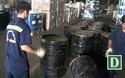 Hơn 1,3 tấn ngà voi trong 14 thùng phuy nhựa đường