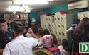 100 tiếp viên nhốn nháo khi công an kiểm tra quán karaoke ôm ở Sài Gòn