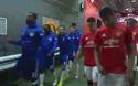 Cầu thủ MU và Chelsea bước ra sân thi đấu