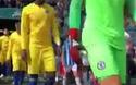 Cầu thủ Huddersfield và Chelsea ra sân thi đấu